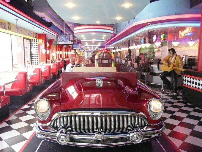 На«Маяковской» открывается кафе Beverly Hills Diner. Изображение № 1.