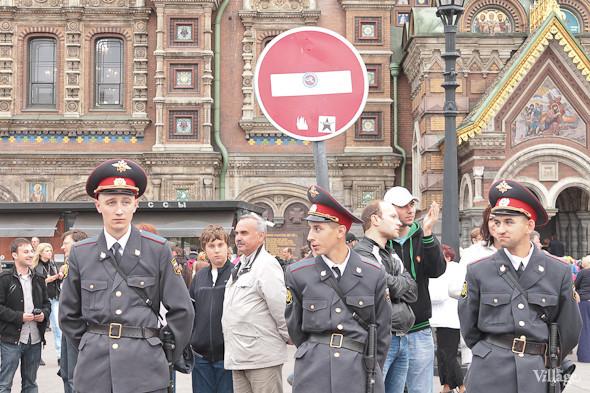 Фоторепортаж (Петербург): Митинг и шествие оппозиции в День России . Изображение № 12.