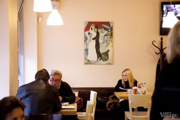 Кофейня сети «Шоколадница» на Садово-Кудринской, недалеко от синагоги на Большой Бронной, стала кошерной осенью 2011 года.. Изображение № 13.
