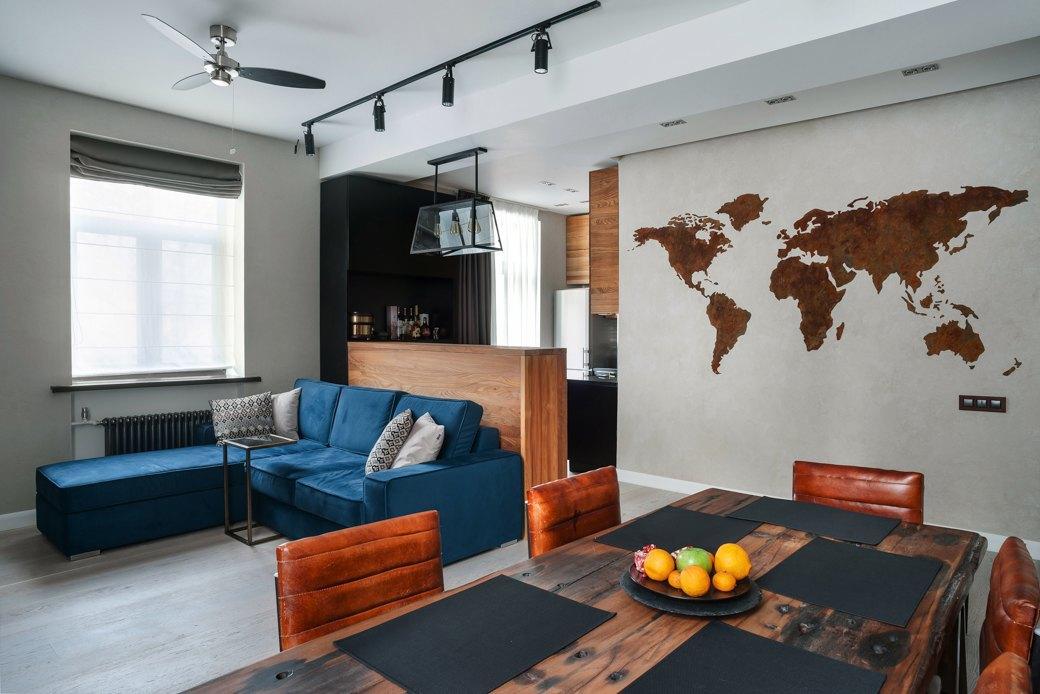 Минималистичная квартира для заядлого путешественника. Изображение № 1.