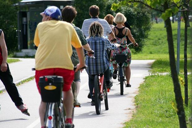 Велодорожку на Луначарского оккупировали 200 велосипедистов. Изображение № 4.