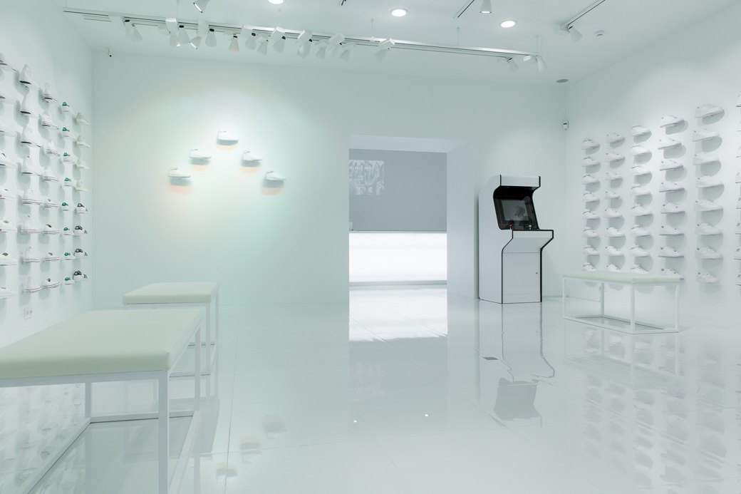 Sneaker White наПокровке. Изображение № 1.