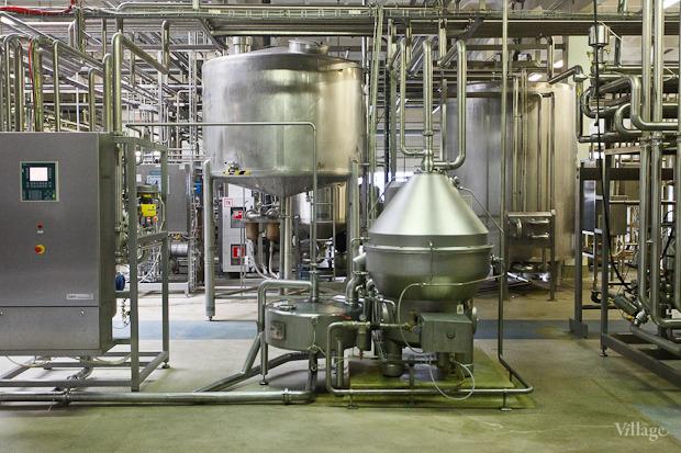 Фоторепортаж: Как делают йогурты на молочном заводе. Изображение № 31.