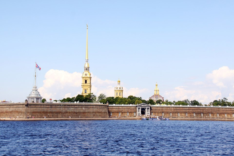Чем пахнут некрополь, Петропавловская крепость иЕкатерининский парк  . Изображение № 5.