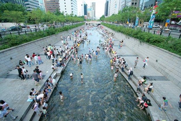 Иностранный опыт: Раскопанная река в Сеуле. Изображение № 17.