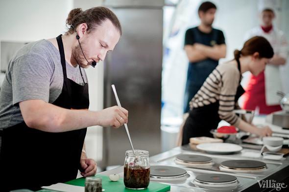 Omnivore Food Festival: Иван Шишкин готовит пеммикан и черемуховые полбяные пряники. Изображение № 48.