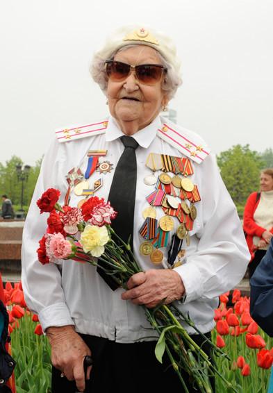 День Победы в Москве и Петербурге: Как гуляют и о чём вспоминают ветераны 9 Мая. Изображение № 4.