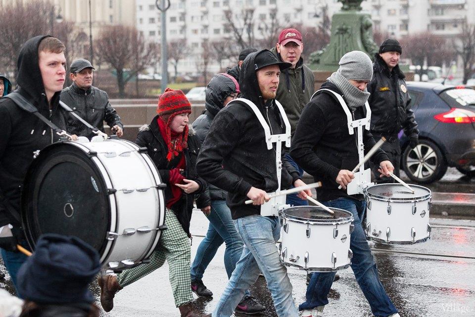 Фоторепортаж: День народного единства вПетербурге. Изображение № 10.