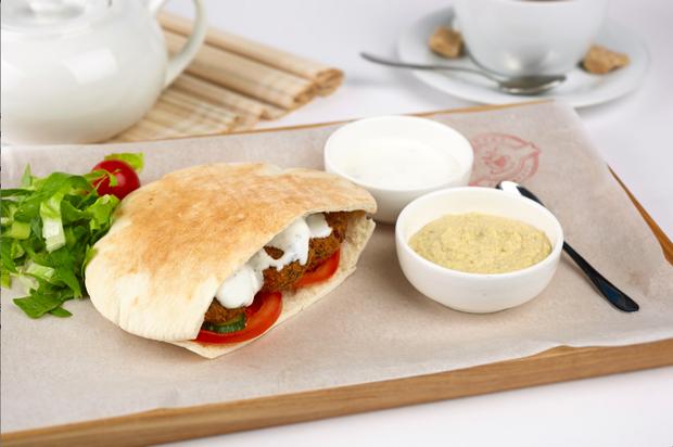 В ресторанах «Две палочки» появился фирменный завтрак The Village. Изображение № 1.
