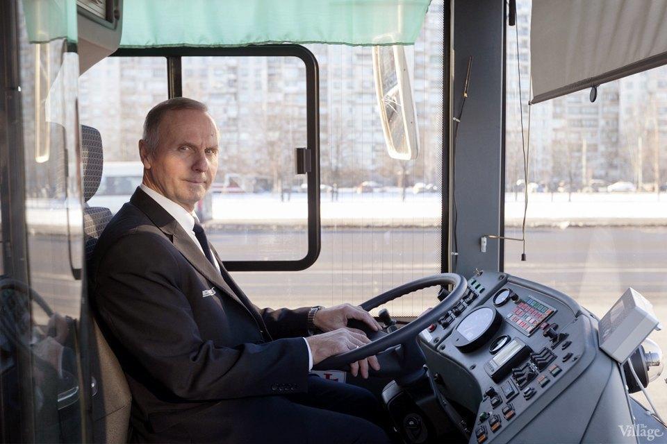 Люди в форме: Водители автобусов — о работе в деловых костюмах. Изображение № 2.