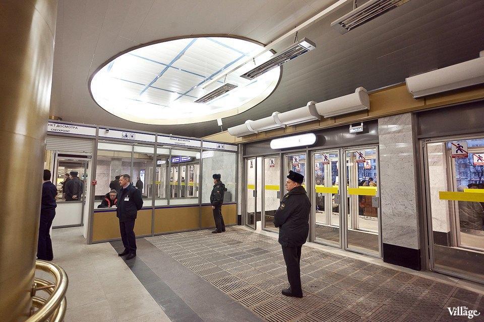 Фоторепортаж: Станции метро «Международная» и«Бухарестская» изнутри. Изображение № 21.