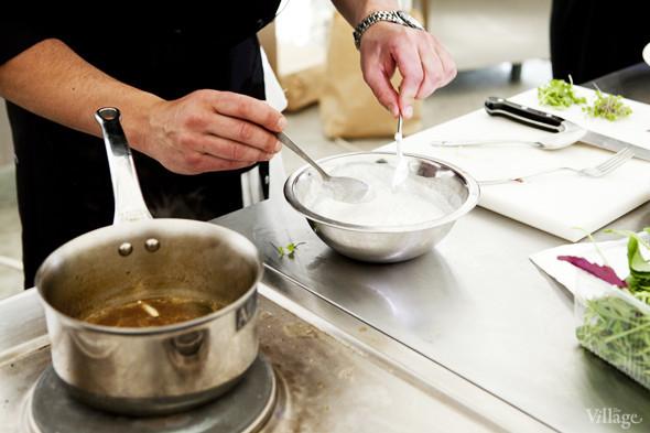 Omnivore Food Festival: Андрей Рывкин готовит карри из петуха на монастырском квасе. Изображение № 24.