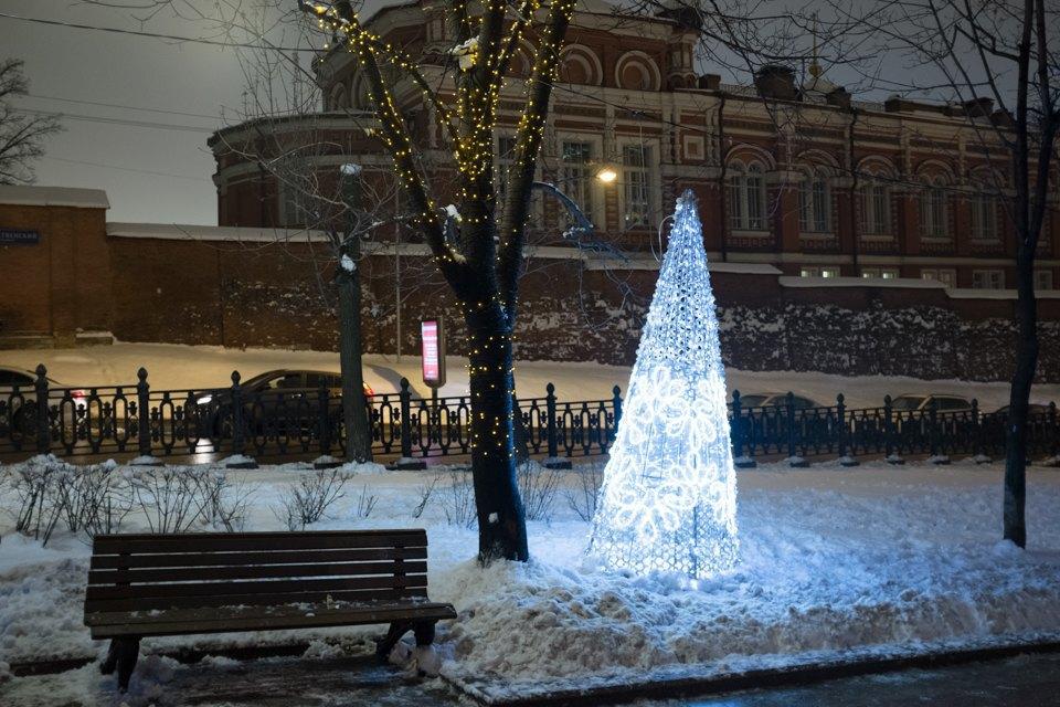 Как украсили Москву кНовому году. Изображение № 10.