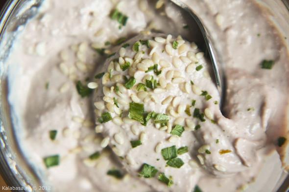Постная намазка из тофу и грецких орехов. Изображение № 7.