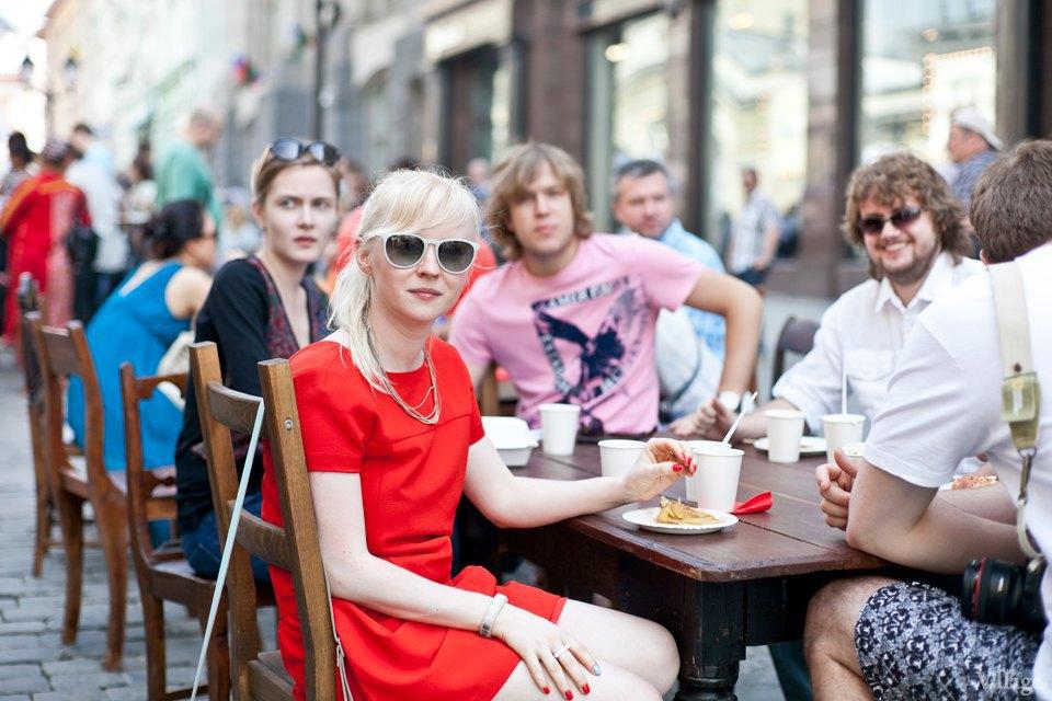 Между булок: 6 бургеров сфестиваля на Кузнецком Мосту. Изображение № 46.