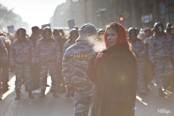 Фоторепортаж: Шествие за честные выборы в Петербурге. Изображение № 15.
