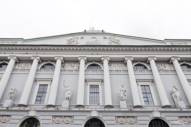 Фасад здания на площади Островского. Изображение № 3.