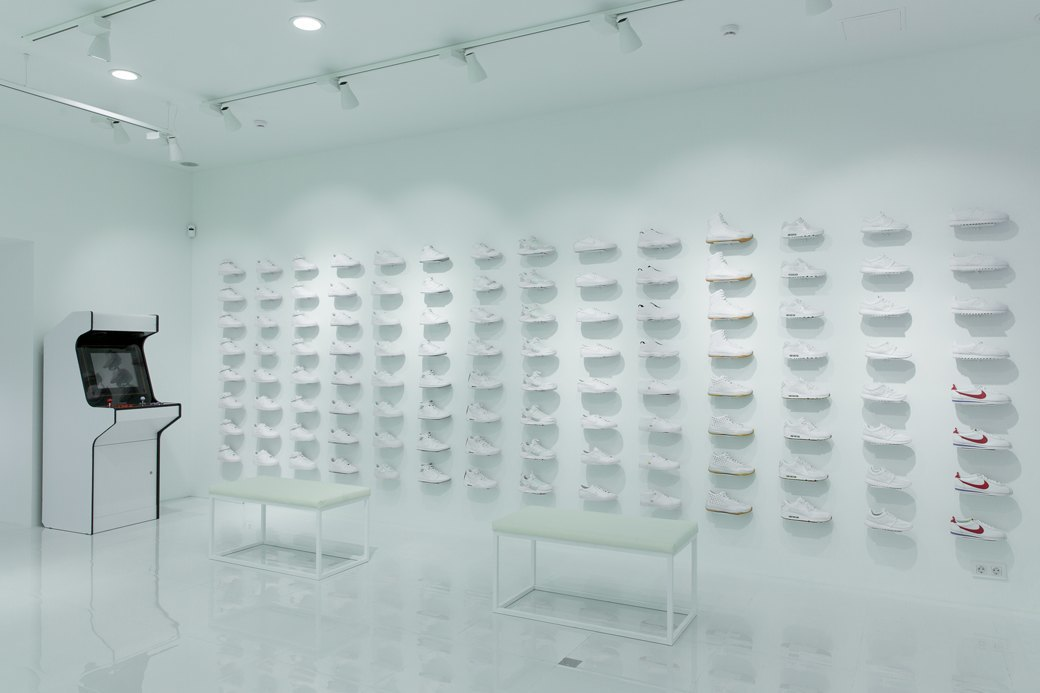 Sneaker White наПокровке. Изображение № 4.