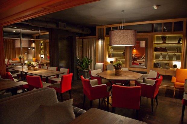 Владельцы Solnce Bar открыли ресторан «География» на Рубинштейна. Изображение № 2.