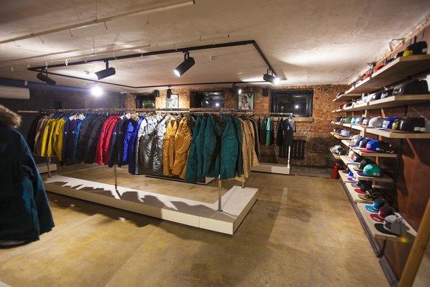 На Большой Конюшенной открылся московский магазин уличной одежды 21shop. Изображение № 1.