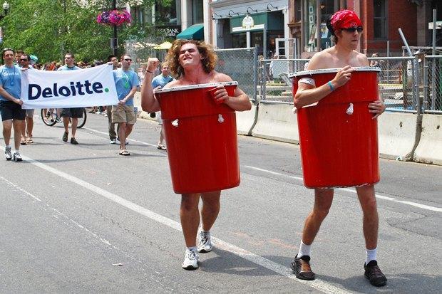 Радужный триколор: Как Nokia, Citi, Coca-Cola, Nike, Ford относятся к ЛГБТ-сотрудникам в России. Изображение № 10.
