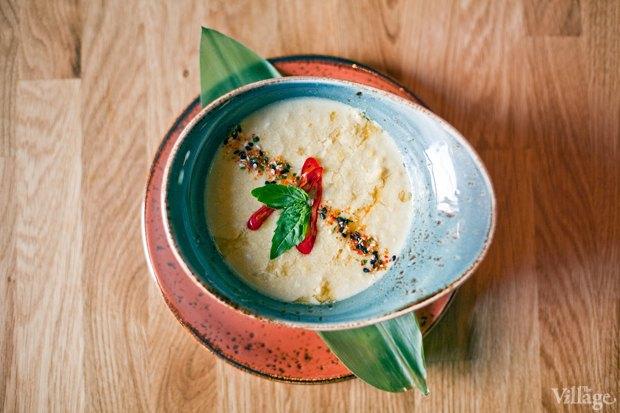 Рецепты шефов: Кукурузный суп на кокосовом молоке скреветками. Изображение № 2.