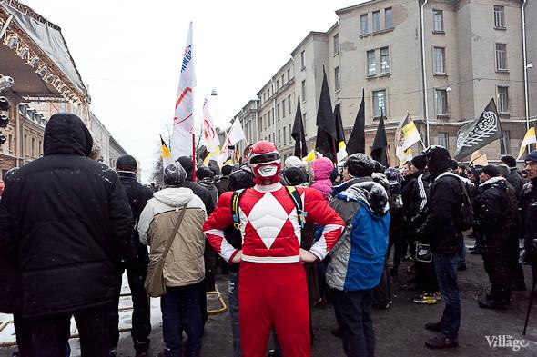 Два санкционированных митинга в Петербурге собрали 2 500 человек. Изображение № 39.