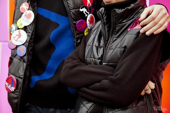 Все повязаны: Шапки, варежки, шарфы на катке. Изображение № 9.
