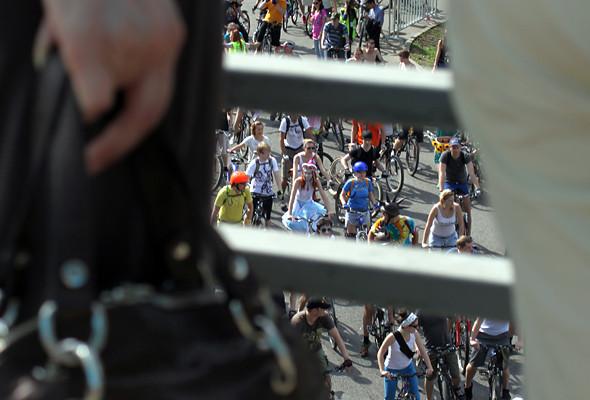 Велопарад Let's bike it!: Чего не хватает велосипедистам в городе. Изображение № 3.