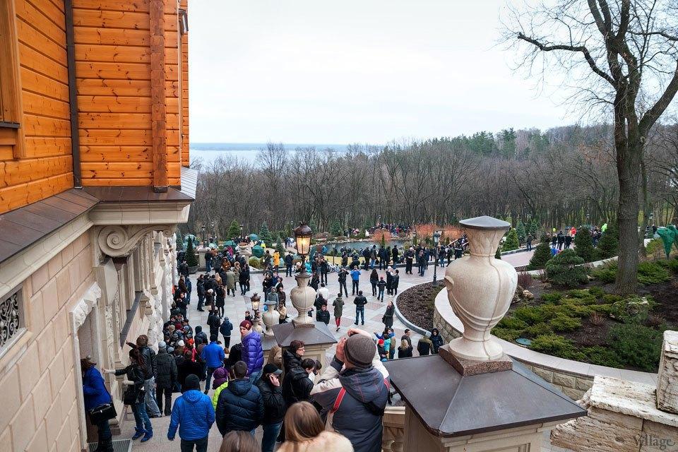 Народное движение: За чем едут в резиденцию Виктора Януковича. Изображение № 9.