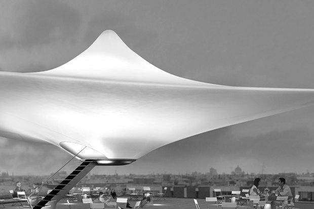 Летающая тарелка на крышах исторического центра. Изображение № 1.