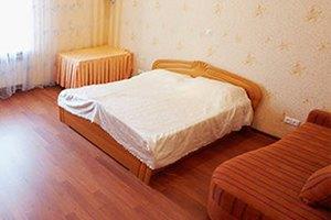 Цена запроса: Насколько дорожают гостиницы иквартиры в Новый год. Изображение № 13.