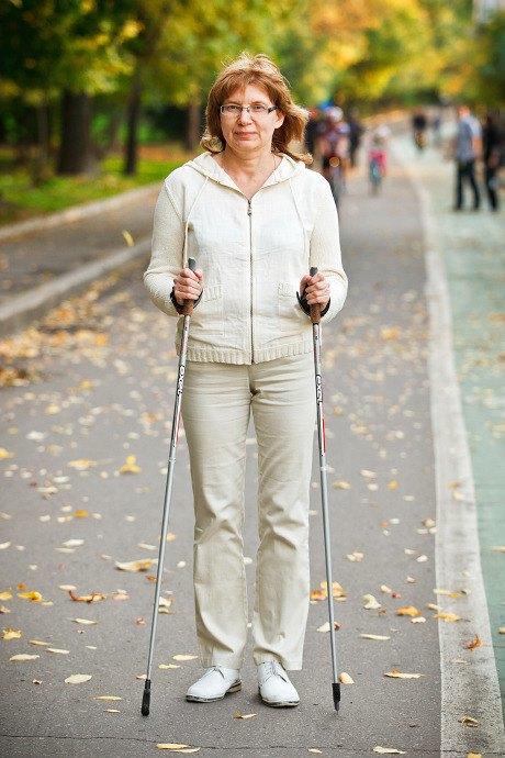Люди в городе: Кто занимается скандинавской ходьбой. Изображение № 18.