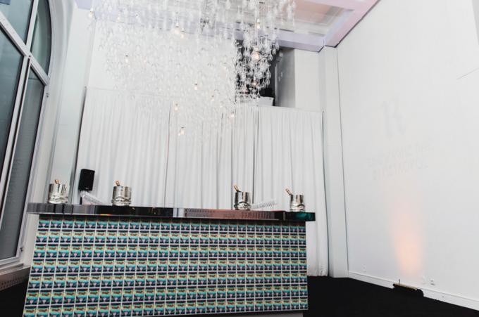 В «Метрополе» открылся временный шампань-бар R Champagne Bar. Изображение № 1.