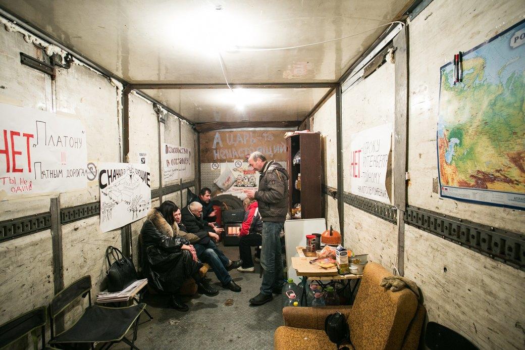 Движение на месте: Дальнобойщики— отом, почему продолжают протест. Изображение № 10.
