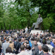 В воскресенье в Петербурге гуляли 500 человек, в понедельник закрывают Исаакиевскую. Изображение № 19.