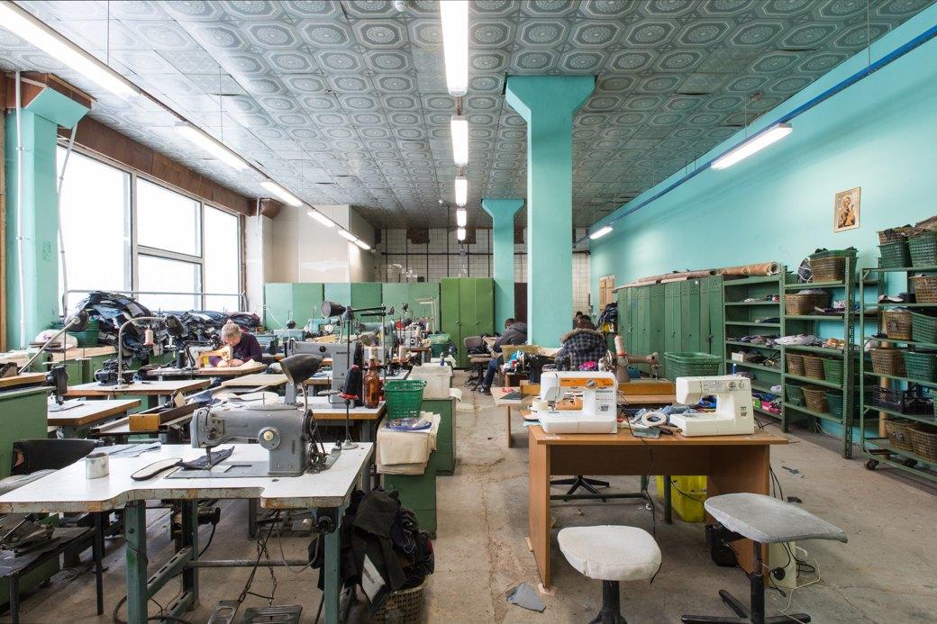 «Пришёл запрос от стилистов Леди Гаги»: Кто икак делает обувь вПетербурге. Изображение № 19.