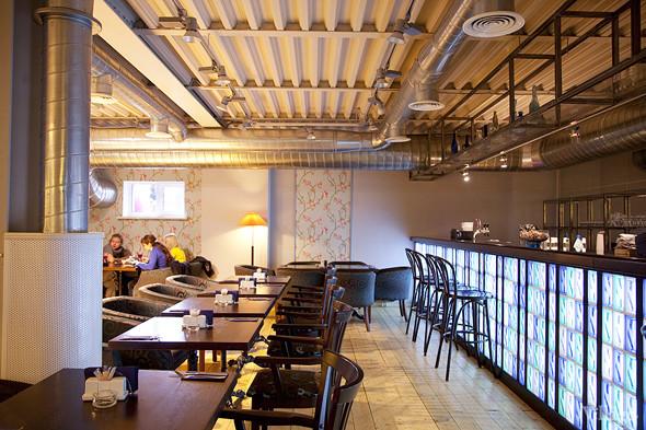 Общая кухня: Кафе-бар Iskra, кафе «Молоко», Genius Bar и Cafe Brocard на «Флаконе». Изображение № 26.
