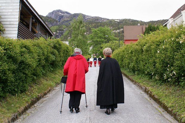Как у них: Жители Норвегии, ЮАР, Испании — об отношениях с соседями. Изображение № 19.