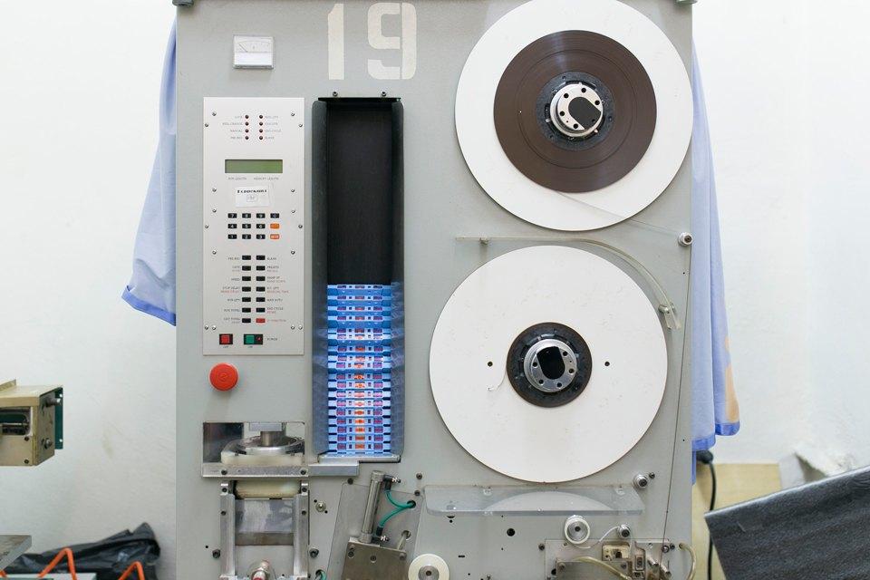 Как петербуржцы организовали единственное в России производство кассет. Изображение № 2.