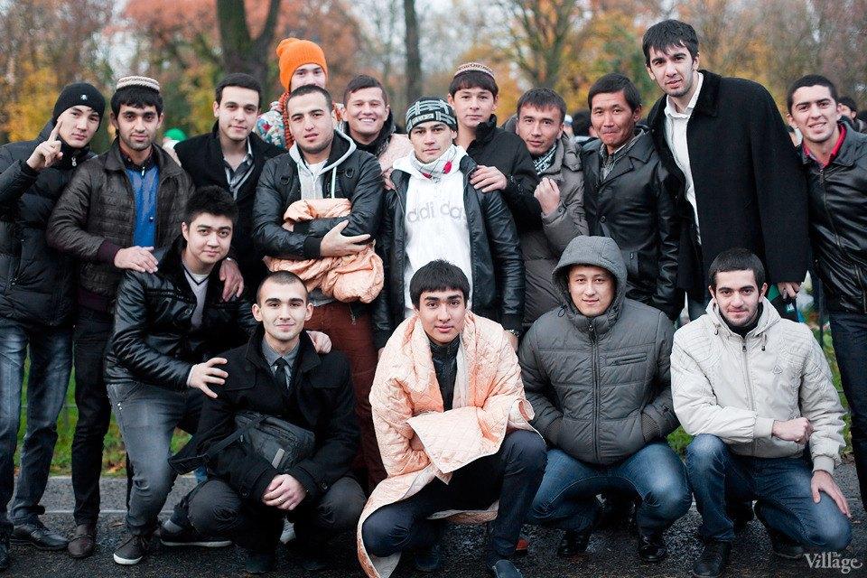 Люди в городе: Как отмечали Курбан-байрам в Москве и Петербурге. Изображение № 24.