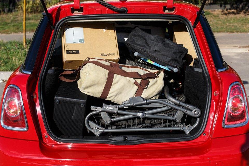 Диван, чемодан, саквояж: Что влезет вгородскую малолитражку. Изображение № 3.