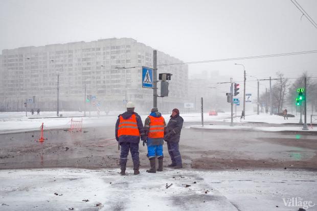 Фоторепортаж: Прорыв труб на «Приморской». Изображение № 7.