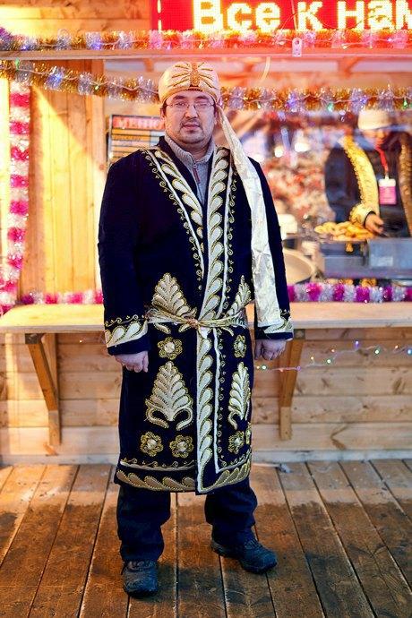 Люди в городе: Продавцы рождественской ярмарки на Островского. Изображение № 50.