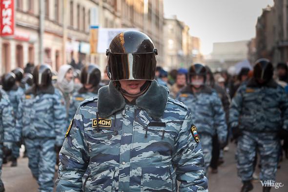 Фоторепортаж: Шествие за честные выборы в Петербурге. Изображение № 10.