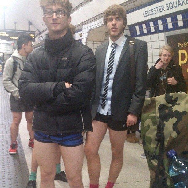 Флешмоб «В метро без штанов» в снимках Instagram. Изображение № 20.