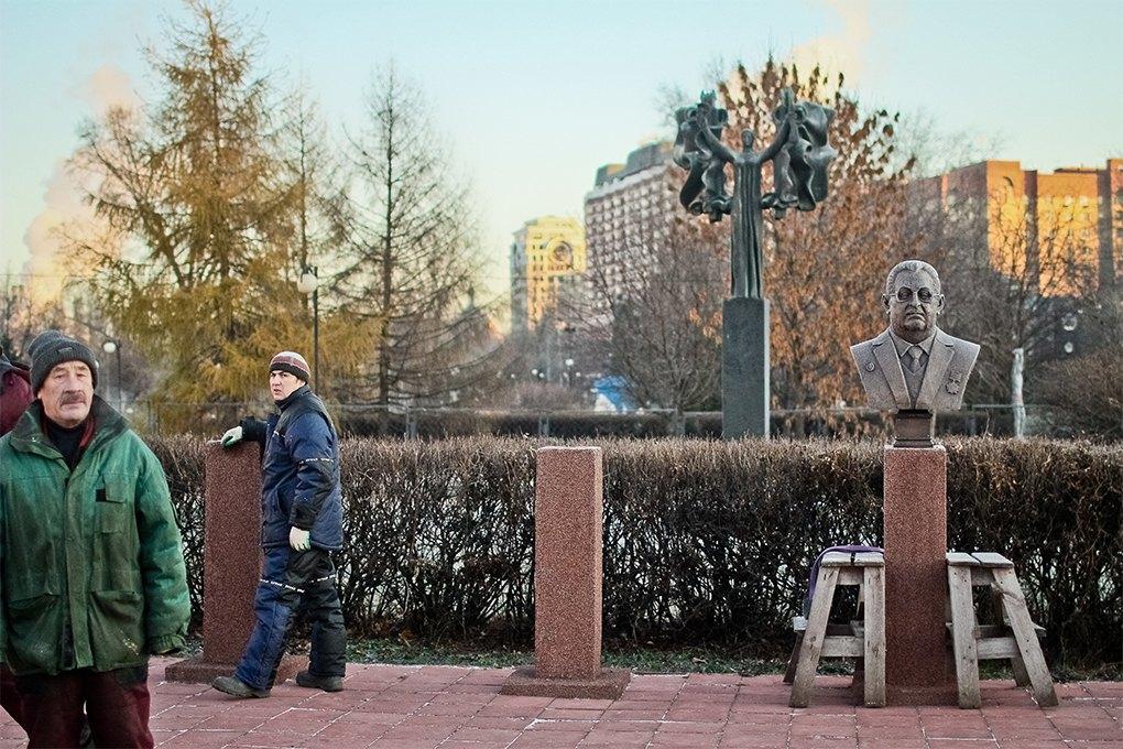 Демонтаж памятников на  «Аллее славы» в «Музеоне» / Антон Голощапов. Изображение № 22.