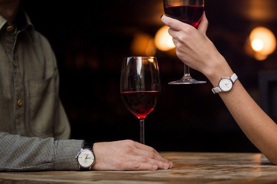 Мужские иженские наручные часы. Изображение № 9.