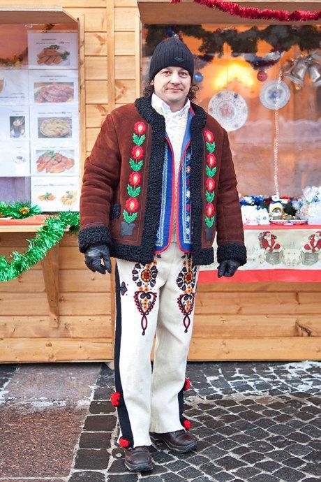 Люди в городе: Продавцы рождественской ярмарки на Островского. Изображение № 45.