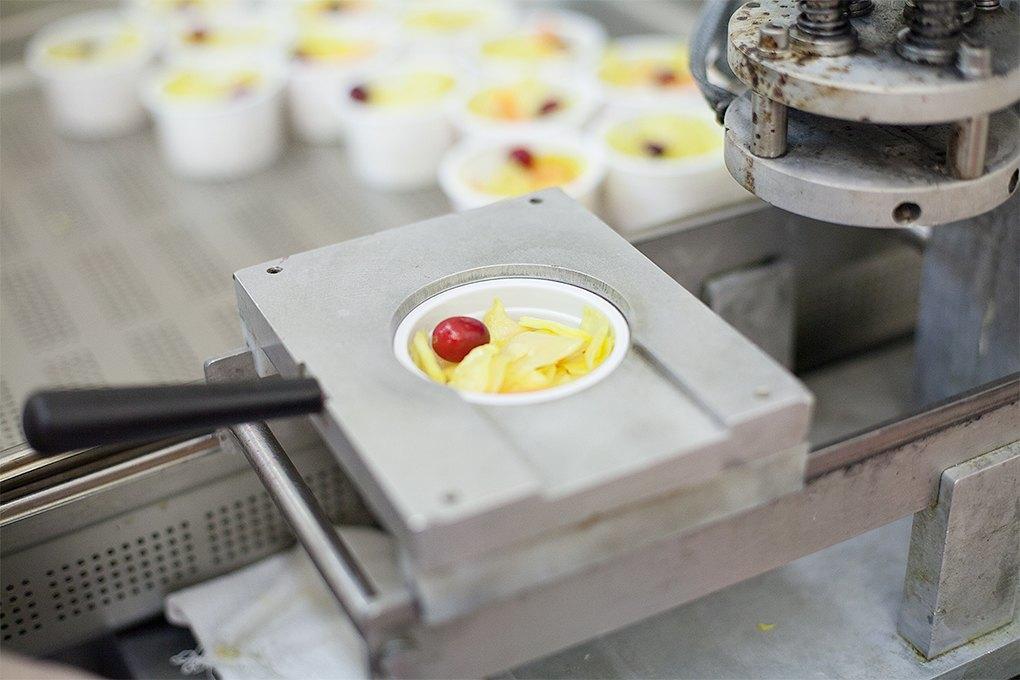 Производственный процесс: Как готовят кошерные обеды для авиапассажиров. Изображение № 31.